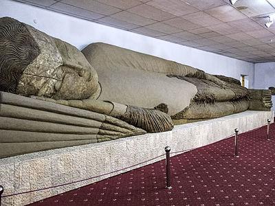Муҷассамаи Буддо дар ҳолати нирвана ё Буддои хобрафта